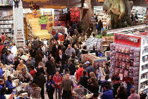 Asi se ponen los centros comerciales gringos el dia posterior al de Acción de Gracias.