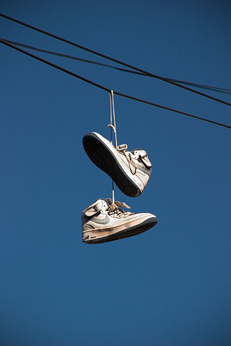 shoes_on_wire