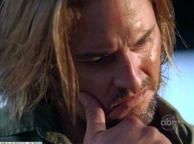 """El padrote de Sawyer en """"Lost"""", pensando un nuevo apodo..."""
