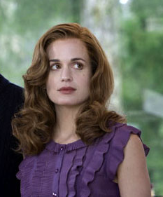 Esme Cullen: si la rapas, parece cabeza de la Isla de Pascua.