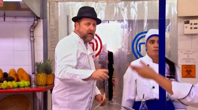 """Herrera es tan útil como una """"práctica rebanadora de plátanos"""" comprada en un infomercial de madrugada…"""